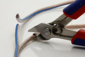 The Importance of Hydraulic Cable Cutters
